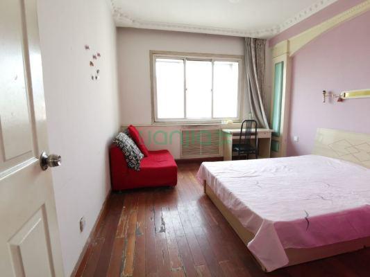 紫薇花园 6室2厅 210万