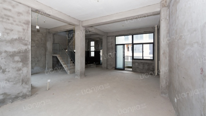 大族泉天下 4室2厅 南 北