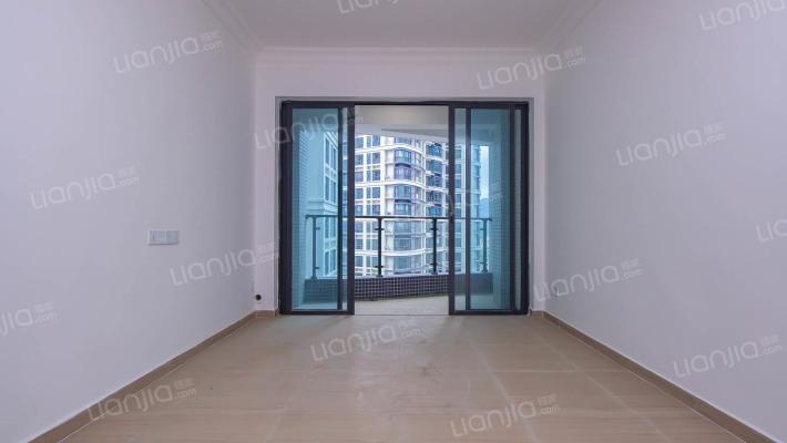 十里银滩三期全新装修2房,业主诚意出售