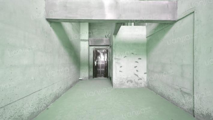 凤凰路地铁 大拇指广场 朝南 中高楼层 复式结构