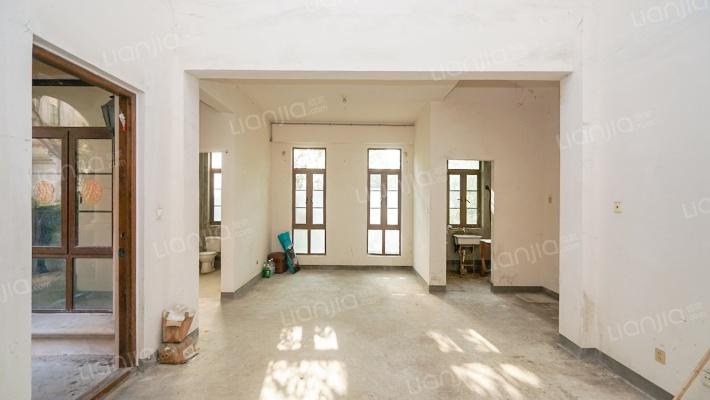 旭辉集团开发 纯别墅小区 满二年 诚意出售 看房方便