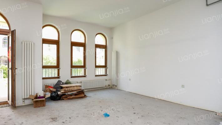 联排别墅上下5层户型板正双车位随时看房可贷款