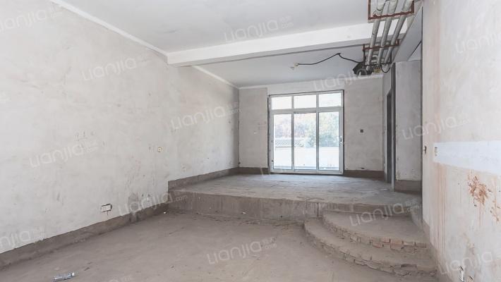 水榭华庭 联排别墅 位置好 上下4层 毛坯房