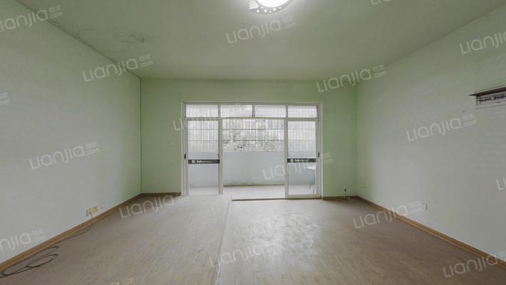 润芳园小区 4室2厅 东南
