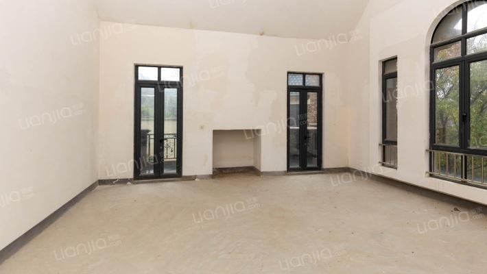 紫金7号 5室3厅 南