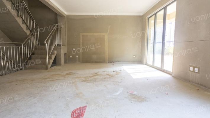 下叠别墅户型方正带院子和地下室